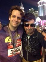 Tarcísio e personagens da Rock n Roll - Las Vegas Marathon